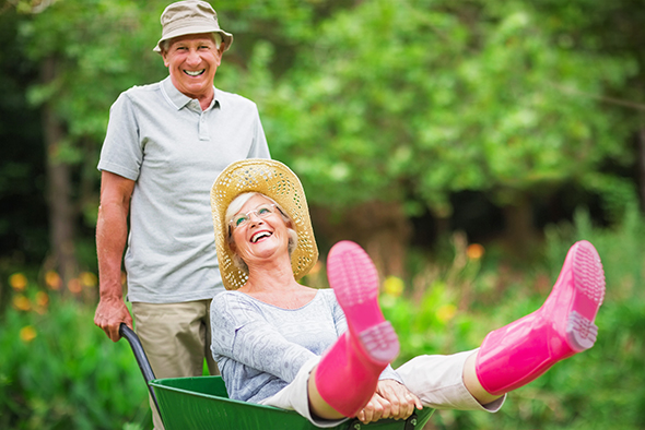 couple-wheelbarrow-590x394jpg